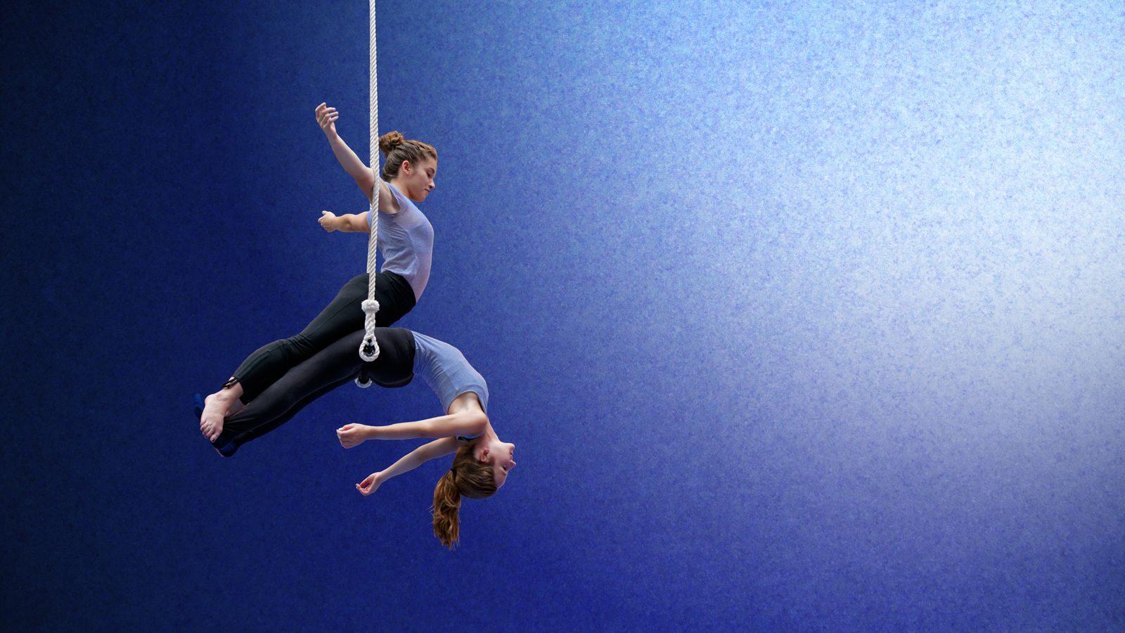 Trapeze sisters