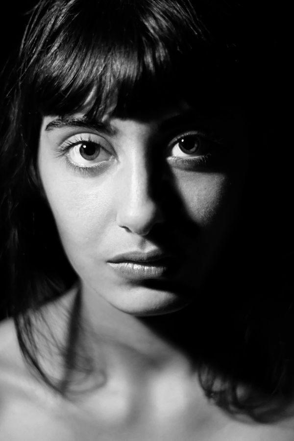 Maëva Portrait noir et blanc